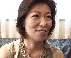スレンダー垂れパイ 50代の細身熟女 福井まみこ 51歳