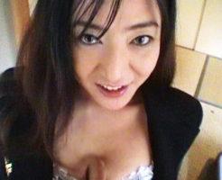 こんなに美人なのにホンモノど淫乱 デカクリ50歳熟女 若手人気女 吉●由里子似の五十路熟女 工藤朱里